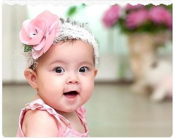 nguồn DHA trong sữa mẹ sẽ giúp trẻ phát triển trí tuệ tốt