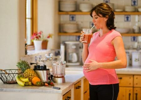 Phụ nữ khi mang thai cần bổ sung đầy đủ dưỡng chất