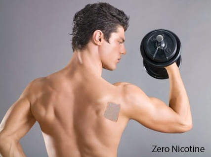 Dán miếng dán cai thuốc Zero Nicotine Patches vào phần sau cánh tay