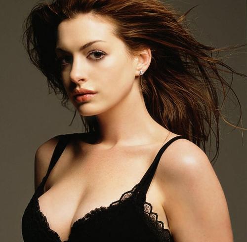 Một khuôn ngực quyến rũ là điều chị em nào cũng mong muốn sỡ hữu
