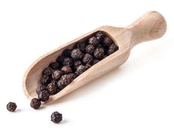 Hạt tiêu đen chứa dưỡng chất giúp tăng sự hấp thu curcumin cho cơ thể
