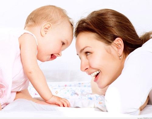 Có nên dùng núm trợ ti cho bé hay không?