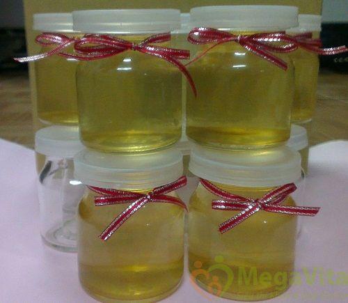 Chữa rụng tóc bằng tinh dầu dừa và dầu ôliu