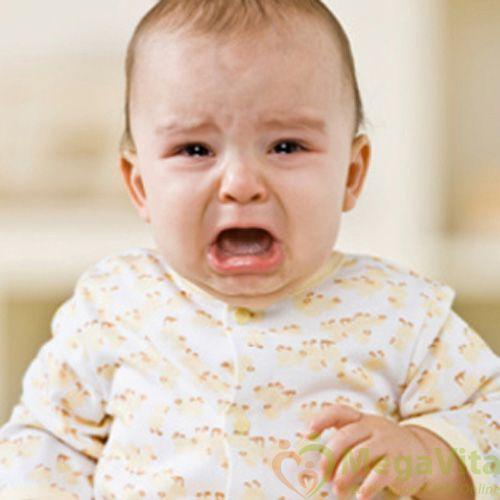 Hậu quả của việc bé ra nhiều mồ hôi lưng khi ngủ