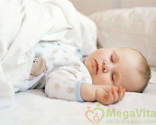 Ngoài ra, ra mồ hôi nhiều khi ngủ sẽ làm cơ thể bị mất nước từ đó dẫn đến hiện tượng mệt mỏi
