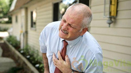 Người bệnh cao huyết áp không nên ăn mặn
