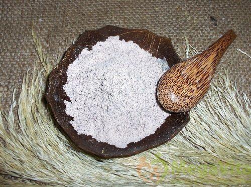 Cách làm trắng da tay bằng cám gạo
