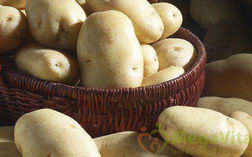 Cách làm trắng da toàn thân bằng khoai tây và sữa tươi