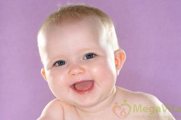 Rơ lưỡi cho trẻ sơ sinh bằng gì?