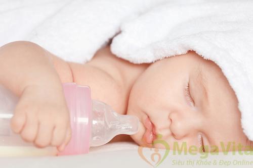 Chế độ dinh dưỡng cho trẻ 8 tháng tuổi
