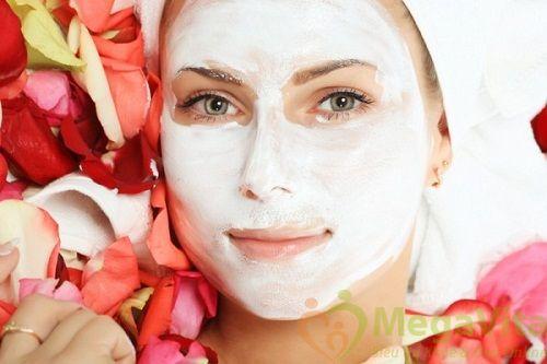Đắp mặt nạ bằng sữa chua có đường có tốt không?