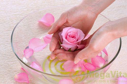 Nước hoa hồng pond's có tốt không?