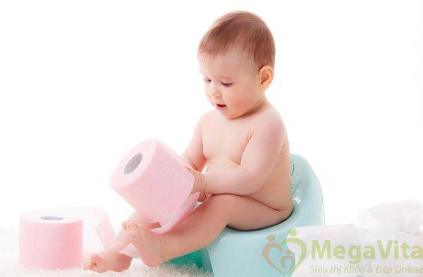Nên ăn gì để trẻ sơ sinh không bị táo bón