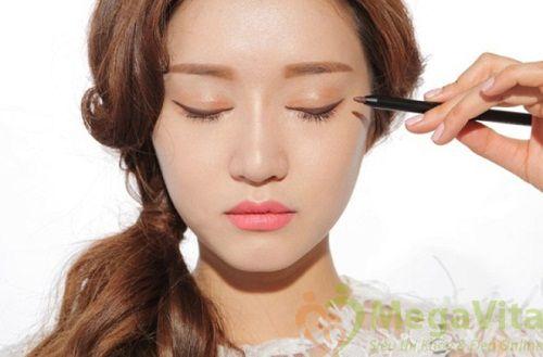 Mẹo cách trang điểm mắt đẹp tự nhiên nhẹ nhàng