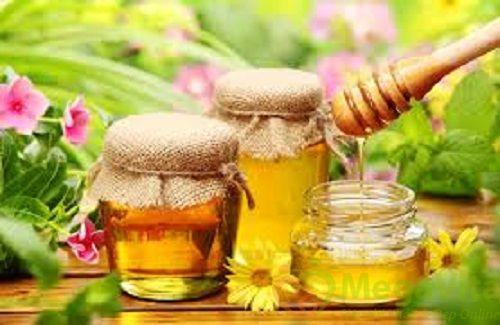 Cách trị sẹo lồi hiệu quả bằng rau má và mật ong