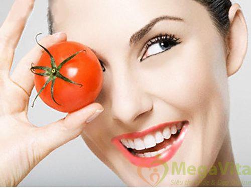 Cách làm mặt nạ trắng da tại nhà bằng cà chua
