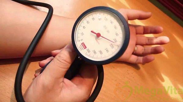 Hướng dẫn cách đo huyết áp đúng cách tại nhà