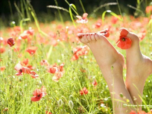 Kem trị nứt gót chân neutrogena foot cream có tốt không? nên mua ở đâu?