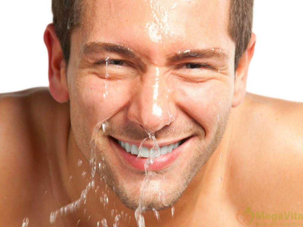 Sữa rửa mặt cho nam loreal men expert 150ml